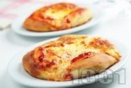 Рецепта Лесни фокачи с доматено пюре и кашкавал